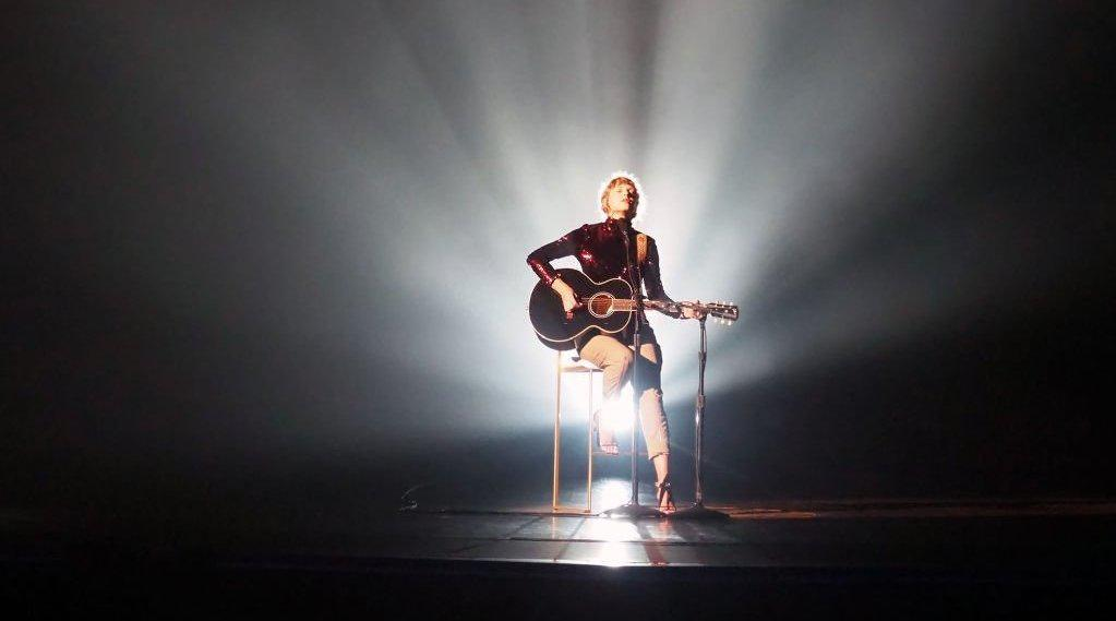 "Taylor Swift ""betty"" (美国乡村音乐学院奖表演) - PopLeading"