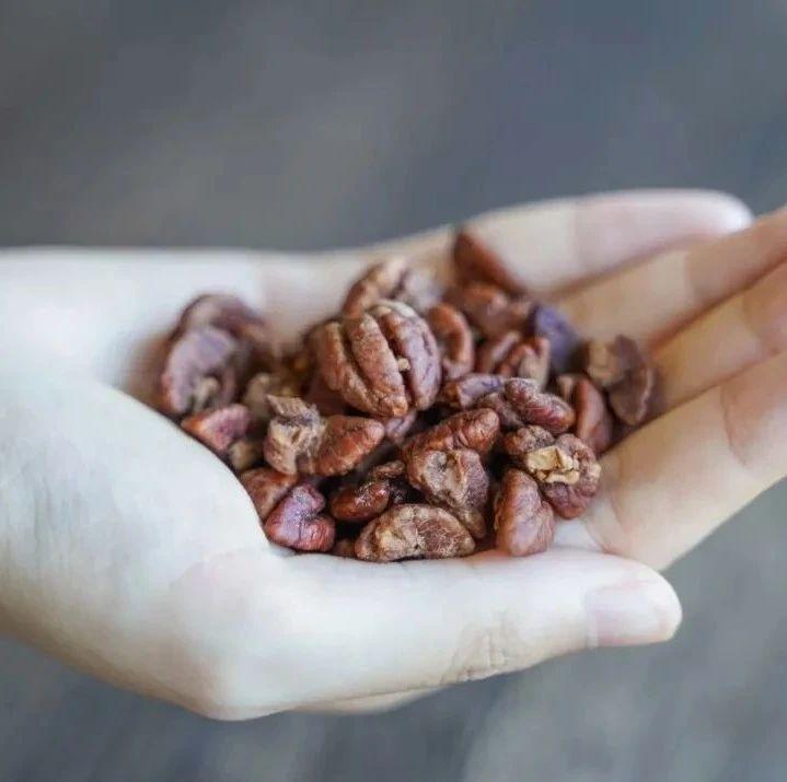 今日福利 | 今年的山核桃仁新果来了!当季新鲜,100斤只出5斤,个大饱满,香脆!