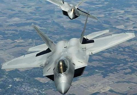 """战略轰炸机还很""""新"""",飞了400多小时,拍卖只要300万美元"""
