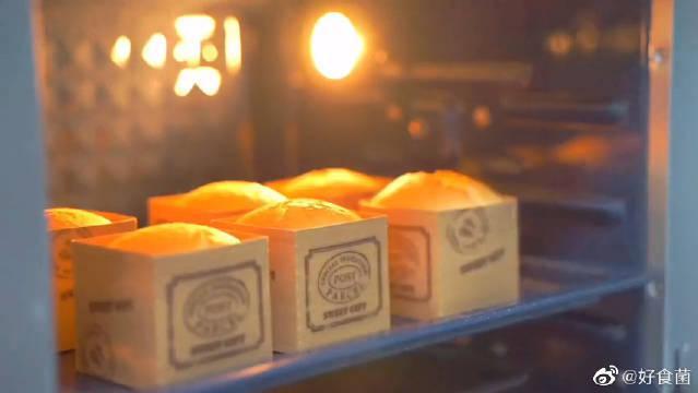 北海道戚风蛋糕,一款经典的小甜品,内馅口感太美味了
