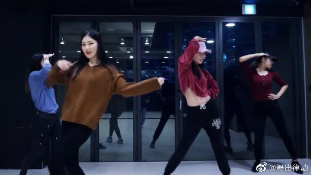抖音最火舞蹈视频《LOVE BOMB》简单易学流行舞,太简单了!