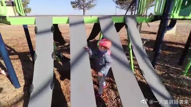 小萌宝:原来滑滑梯就这么简单!小萝莉惊讶了