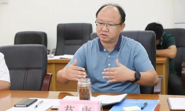 莫庸主持召开天昌集团到凌云县考察对接工作座谈会