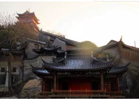 2020想去中国镇江旅游景点:西津渡古街,古城公园,伯先公园