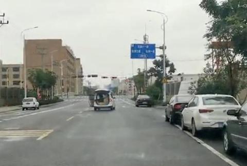 行政拘留六日!流动摊贩暴力抗法拖行执法人员近一公里
