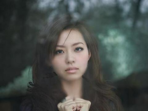 张靓颖首度承认被前夫冯柯骗财,19岁起跟他在一起,34岁离婚