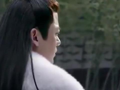 昏君为保皇位,竟杀了最爱的宠妃,哪料她不是凡人,下秒吓懵他!