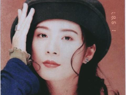 """""""哑巴新娘""""岳翎:为谢祖武不拍吻戏,当红时隐退今52岁怎样了?"""