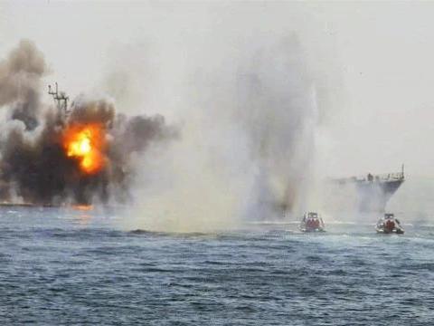 越南强敌发生意外,十万吨巨轮突然起火,数十辆消防车紧急前往