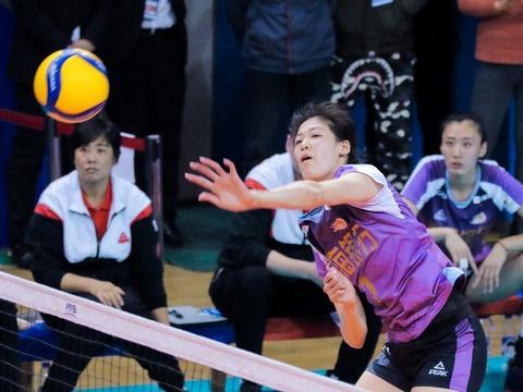 女排小组赛首轮就是生死战 全锦赛看张常宁李盈莹对轰