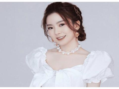 女明星现场混战,刘诗诗打架太生猛,陈卓璇薅头发也不含糊