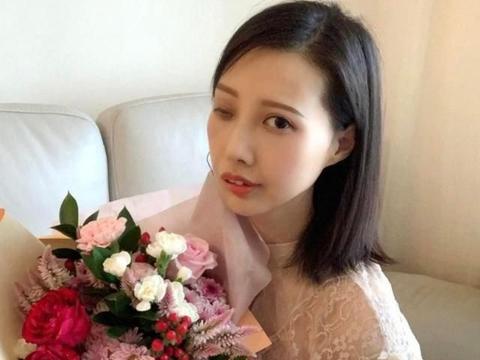 李明蔚病情不乐观,马浚伟做直播帮筹医药费,出钱出力为对方打气