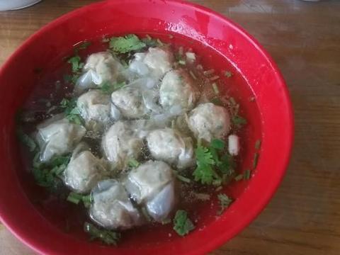 素汤小馄饨,只用3样蔬菜,简单做出低脂少油的小馄饨汤,好吃