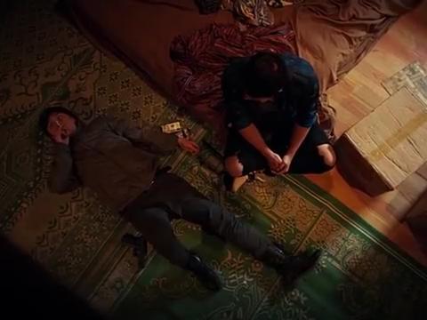 卧底毒龙:卧底给警官发毒枭的位置,不料警官话说了一半就惨死了