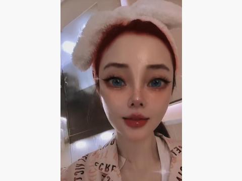 身上现吻痕?李小璐发新视频被网友猜测有对象,疑和贾乃亮复合!