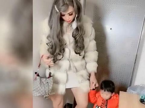 社区邀请妈妈带宝宝参加亲子活动,爸爸男扮女装结局亮了