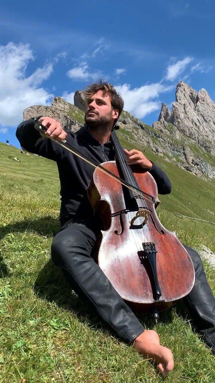 美!提琴双杰2 CELLOS克罗地亚帅哥HAUSER大提琴演绎经典影片《杀死比尔》