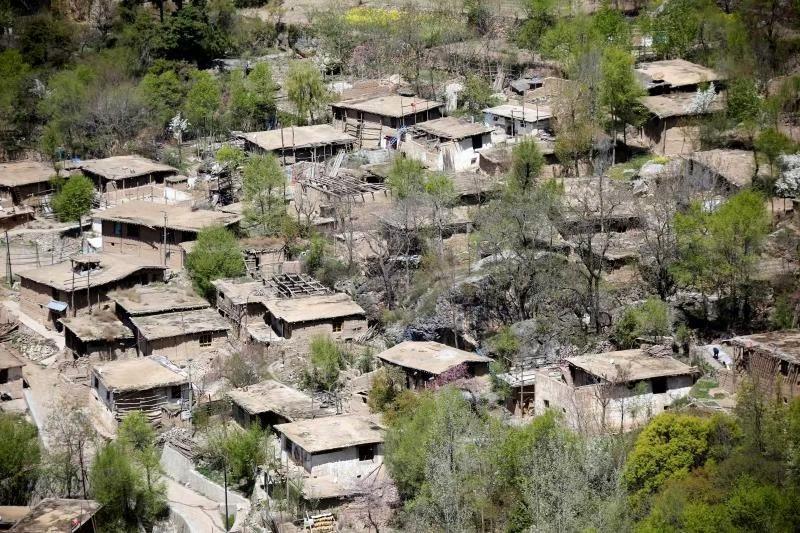 """山窝窝变身""""圆梦谷"""",用现代化元素打造有文化的村庄……"""