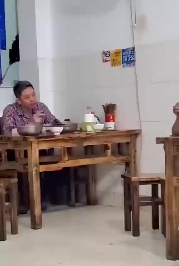 沙县小吃里的一次灵魂对话,这波什么水平