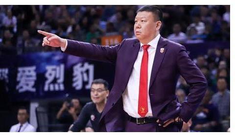 挥手告别!争议教头正式离开CBA,加盟中国男篮教练梯队