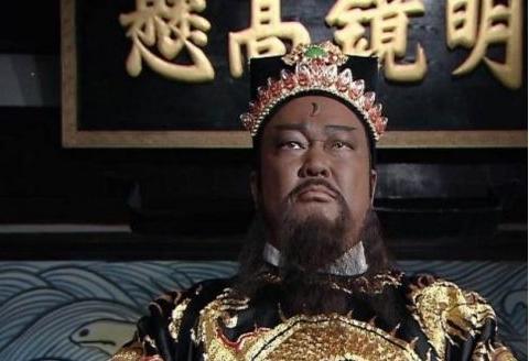 他被誉为最经典包拯,演了700集《包青天》,如今却渐渐被淡忘