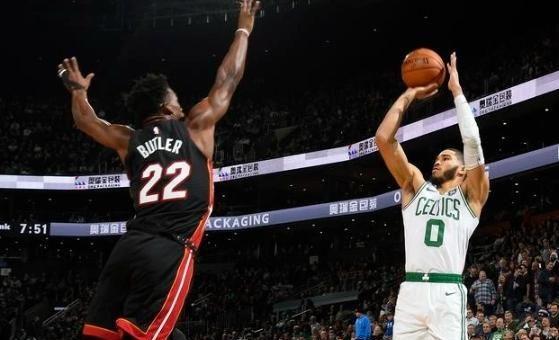 NBA季后赛热火与凯尔特人展开G2的对决,上一场热火加时险胜绿军,两队比分是1-0