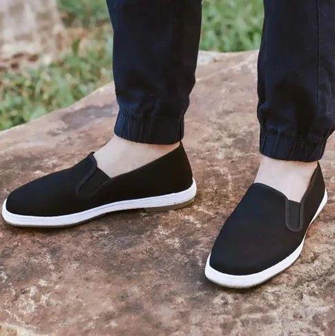 非遗手艺做老布鞋,纳入草药,每一步都养脚