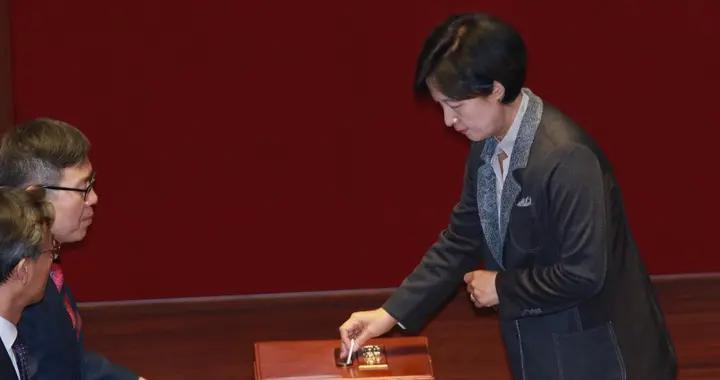 韩法务部长官否认违规为其子请假
