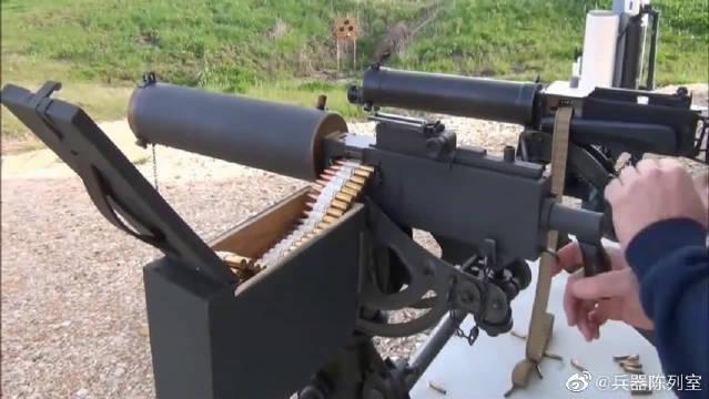 两款射击对比,老外靶场分别射击评测,结果差距一目了然!