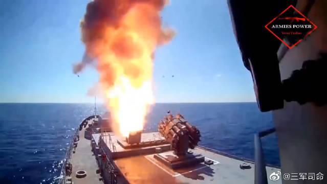 俄罗斯远程巡航导弹发射,击中目标瞬间场面炸裂,真是太生猛了!