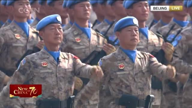 2019年,维和官兵首次在国庆阅兵式中接受检阅