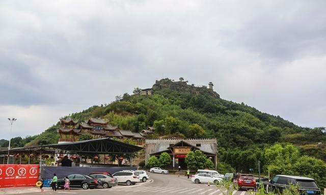 重庆梁平美景多,建在孤峰上的滑石古寨,历经风雨如今依然靓丽