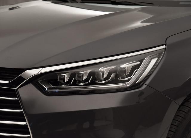 6.99万的国产SUV,颜值媲美奥迪Q3,标配名牌1.5T,迷倒一片