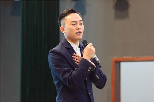 """斜杠青年刘同分享创业那些坑:尝试过多种生意,自诩""""赔钱货"""""""