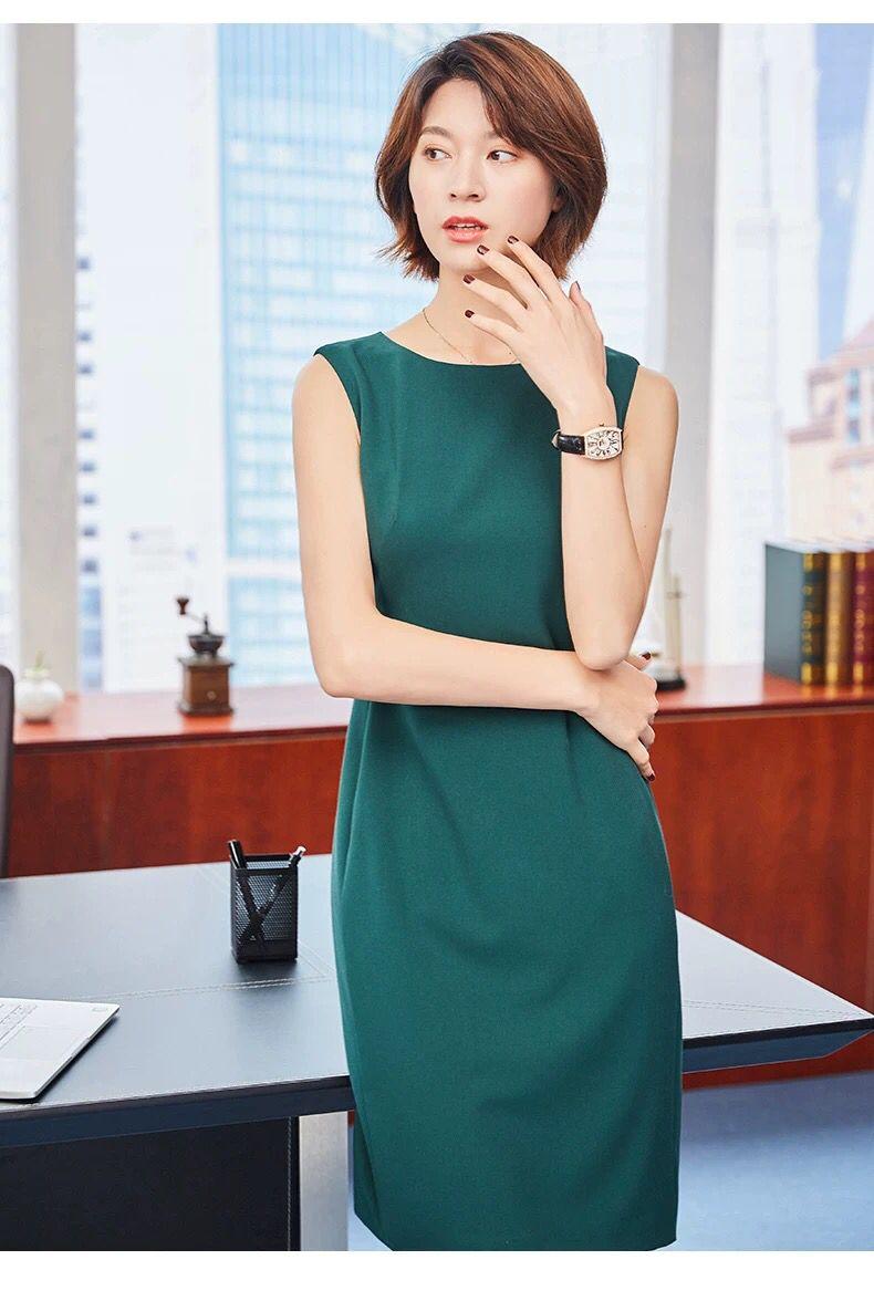 职场小白超爱的连衣裙版型,简单干练稳重有气场