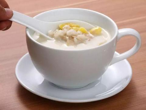 美食精选:薏仁腐竹汤、三色糙米藜麦粥、和风炖蔬菜、香菇玉米粥