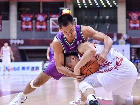 张庆鹏正式退役,北京首钢送去祝福,为何不见老东家辽篮呢?