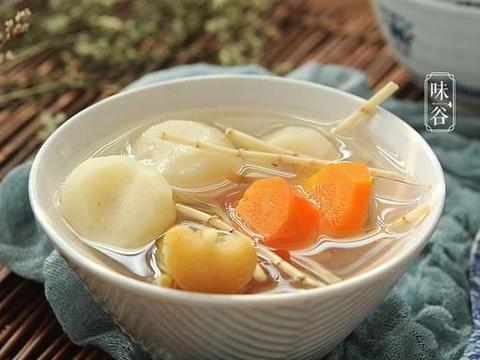 秋分将至,天气干燥,广东人爱用这野草煮水喝,清甜甘润真好喝