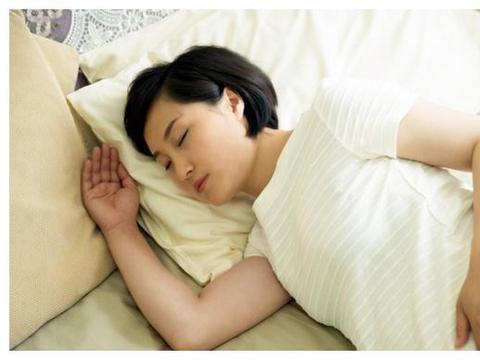网传孕妇应该左侧躺,有利于胎儿发育?家长不要轻易相信传言