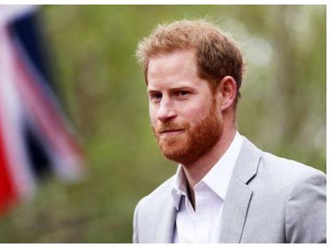 36岁生日贺卡藏玄机!哈里被取消皇家头衔,梅根还自称公爵夫人