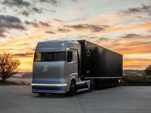 最高续航1000公里 奔驰发布3款电动与燃料电池卡车