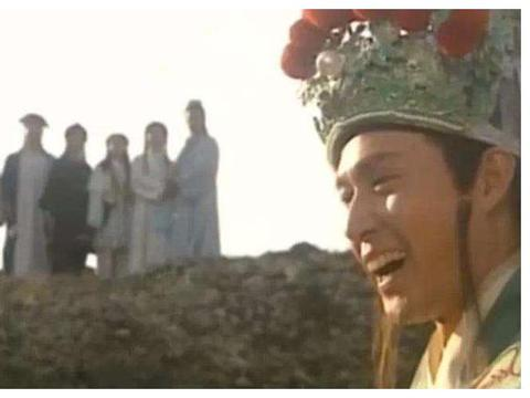 《天龙八部》结局,慕容复真的疯了吗?看看他爹就明白了