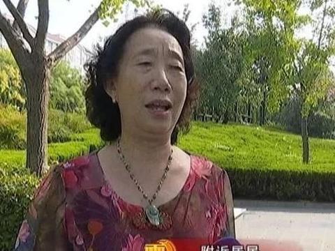 许昌南湖游园:为92岁老父亲伴奏 孝老爱亲触动人心!