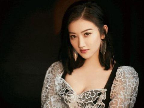 她颜值堪比刘亦菲,成中国最美,连王思聪娶她都算是高攀