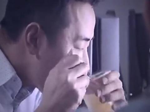总裁没回家,老婆送饺子来办公室,看到桌子上的东西秒懂