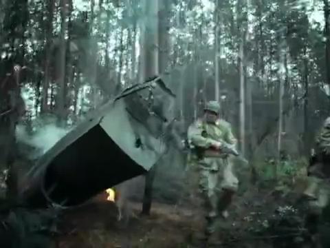 美军找到了坠毁飞机的黑匣子,直接一把火烧毁,怕被日本人拿了