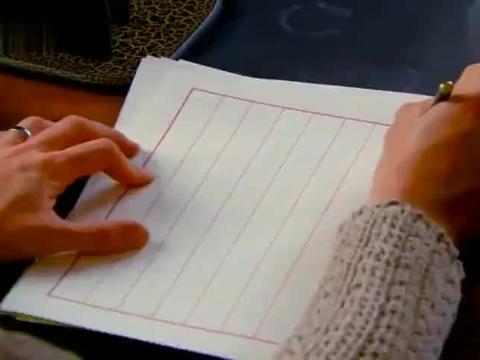 杜允唐用无水笔写下机密,佟毓婉一看就明白,心有灵犀