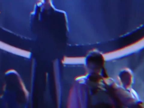 范丞丞新歌《MissedTexts》舞台首秀,人帅歌声美,现场瞬间燃爆