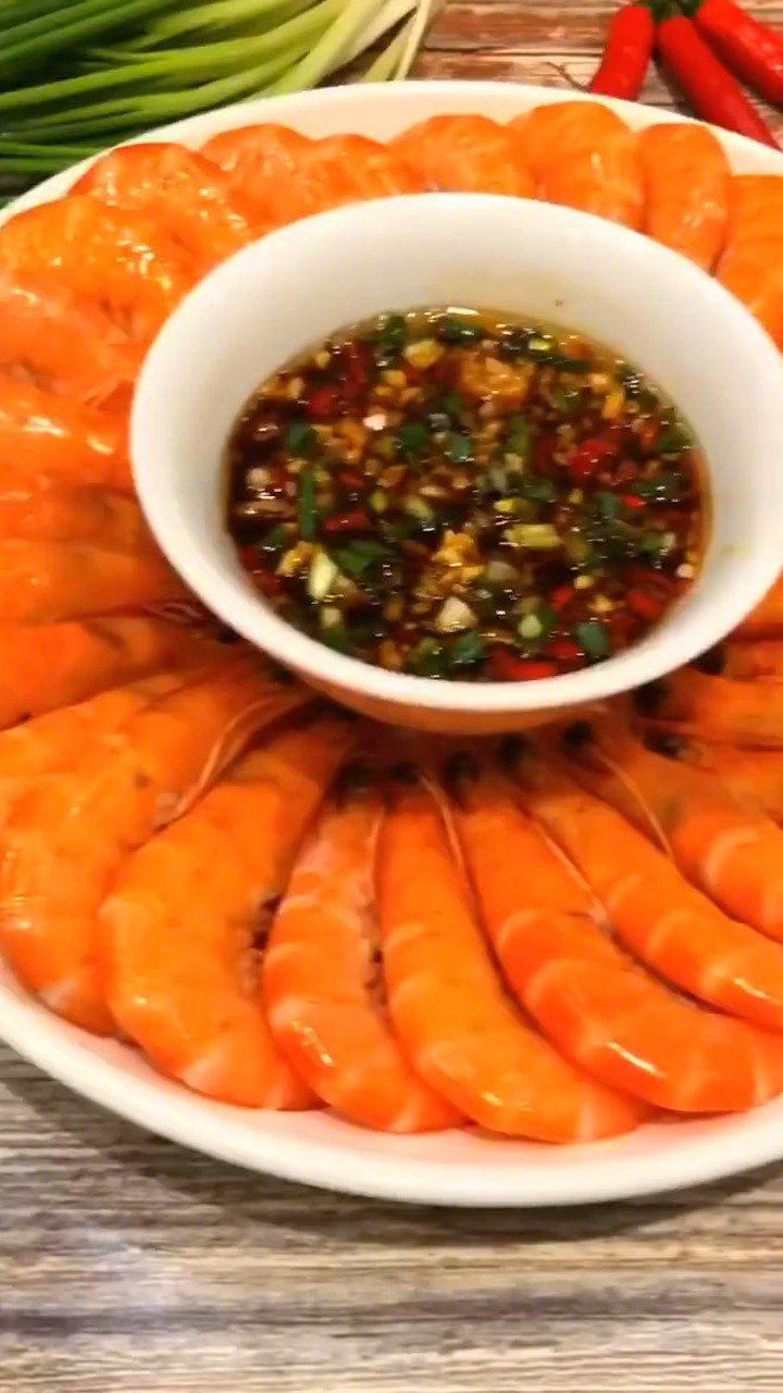白灼虾是年夜饭的常客,怎么做才能虾肉不柴?