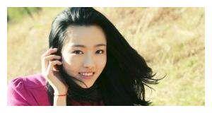 16岁一举成名,赵本山亲自给她取艺名,力捧没走红,现已成路人